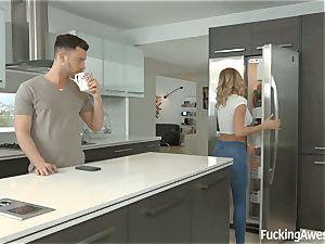 Jessa Rhodes plumbs her housemate
