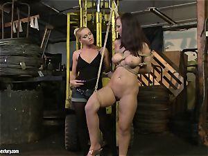 Kathia Nobili lash the tongue of hottie lady