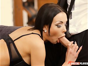 Patty Michova has her wondrous pussy eaten and then deep-throats long meatpipe