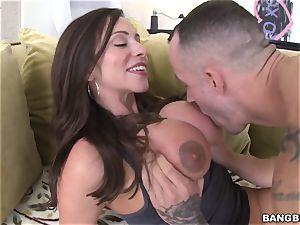 shaft thirsty mummy Ariella Ferrera drilled in her ass hole