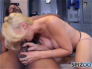 Sarah Vandella makes the deal that she gets an interview and he gets a messy bj