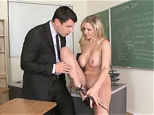 sex-positive bawd Julia Ann enjoying her man's plank badgering her slippy mouth
