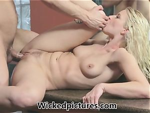Anikka Albrite caught super-steamy and humid after a bathroom