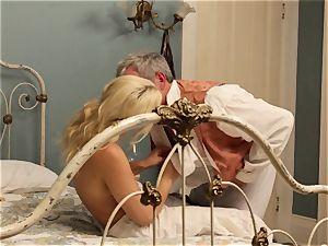 hot hooker Anikka Albrite drills her favourite horny west client