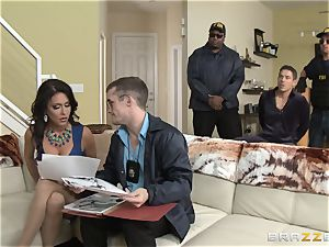 Criminals wifey Jessica Jaymes poked by a molten cop