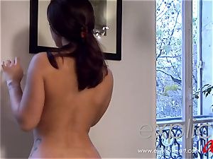 Liza del Sierra masseuse with anal concluding