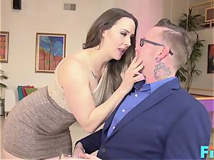 red-hot Online fuckfest With cougar Chanel Preston